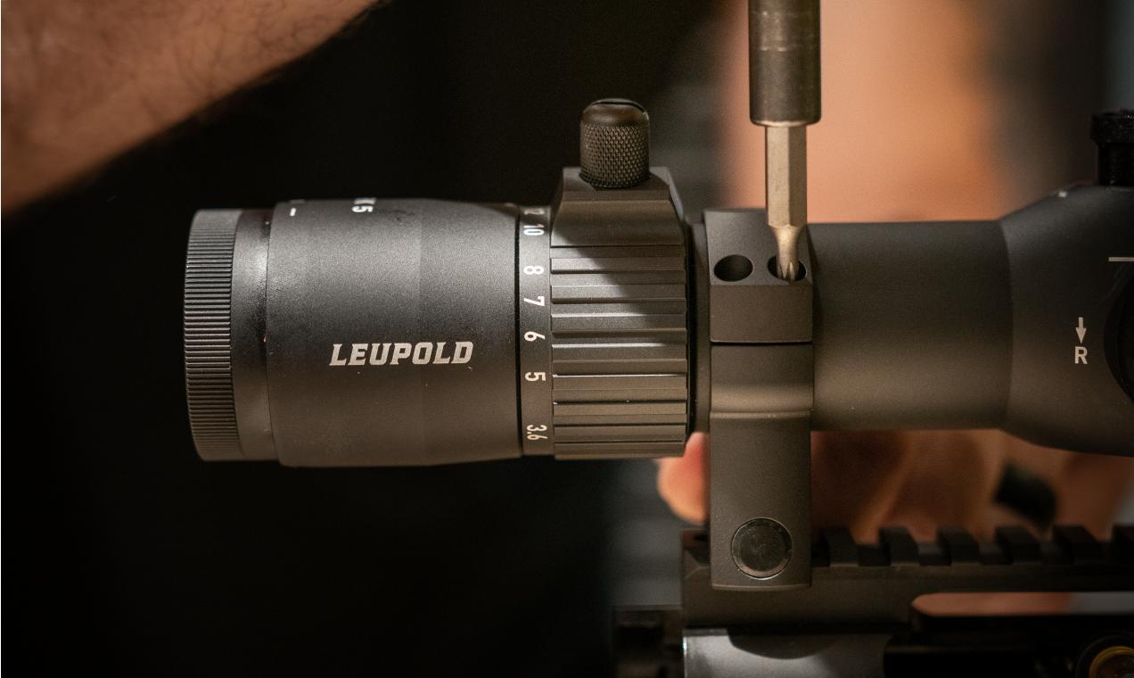 mounting riflescope to rifle